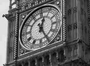Big Ben displays 25 minutes past 12 but what fraction of an hour is this?